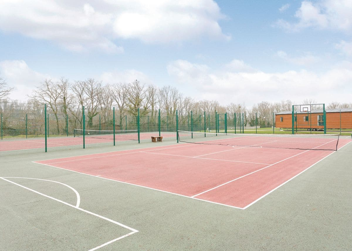 Tennis | Finlake Holiday Resort, Chudleigh, Newton Abbot